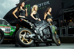 Motogp Monster Yamaha TECH 3火辣辣賽車女郎