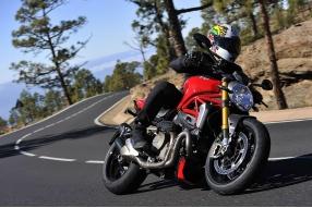 2014 Ducati Monster 1200S-關英豪西班牙火山島測試