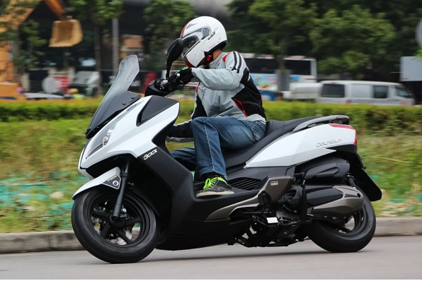 2014 KYMCO Downtown 300i ABS-提升騎士安全的煞車系統
