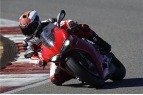 2015 DUCATI PANIGALE 1299-205匹賽道測試(關英豪)