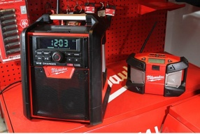 Milwaukee M18 Jobsite Radio/Charger│擴音、收音、充電機