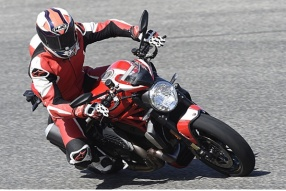 2016 Ducati Monster 1200R│劉拔萃西班牙Malaga測試報告