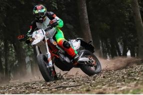 KTM 500 EXC SIX DAYS X 張煒安-操練反手軑攻彎