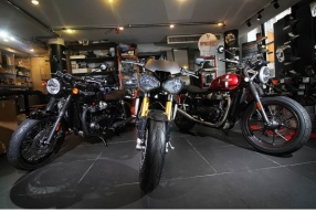 2016 Triumph Speed Triple R-市販Street Fighter始祖