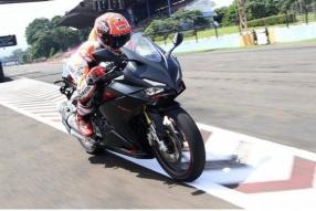 2016 MotoGP世界冠軍馬坤斯 - Sentul Circuit試騎2017 HONDA CBR250RR