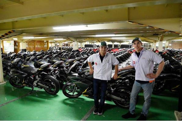 馬坤斯與柏度莎參觀印尼PT Astra Honda Motor工廠 - 觀看新款CBR250RR生產流程