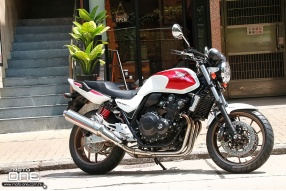2018 HONDA CB400SF 25th紀念版抵港