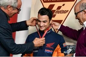 柏度莎登上MotoGP名人榜