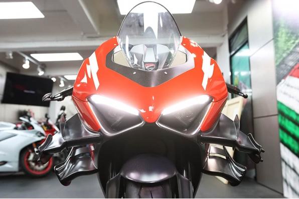 2020 Ducati Superleggra V4 車主開箱 - 震撼的巨翼