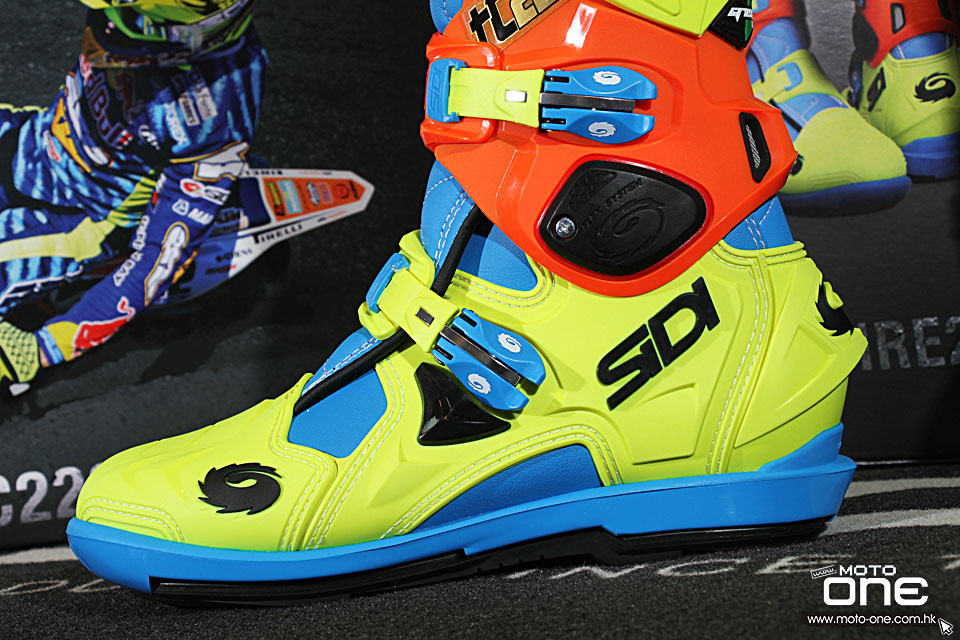 2015 SIDI Crossfire 2 TC222 Tony_Cairoli