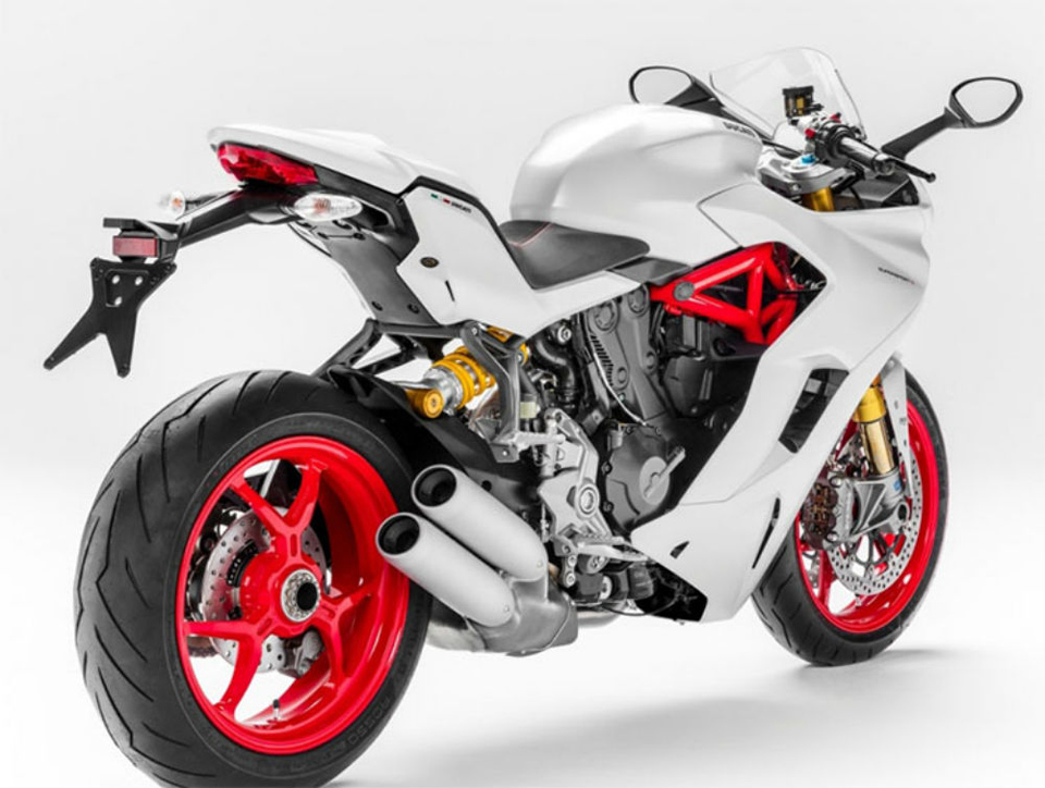 2016_DUCATI SUPERSPORT