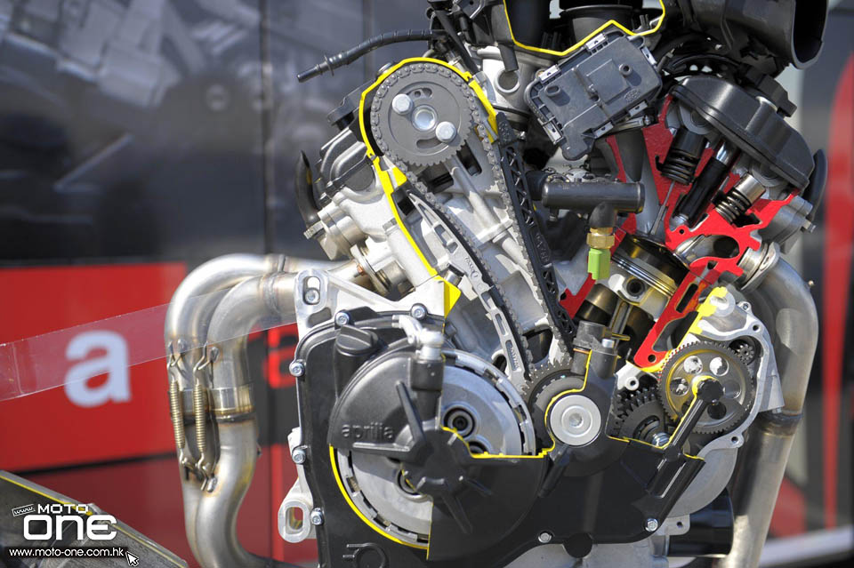 2017 APRILIA RSV4 RF Tuono 1100 Factory
