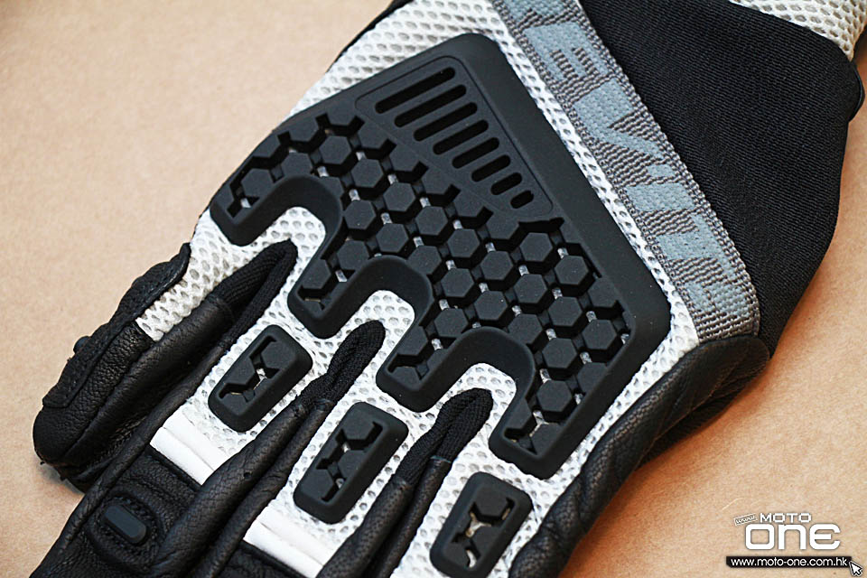 2017 REVIT GLOVES