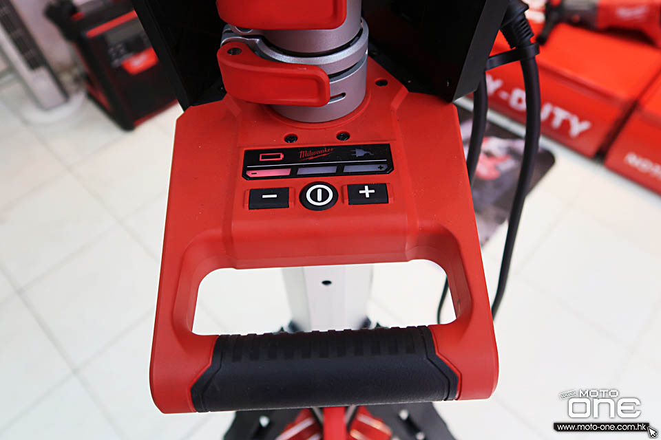 2018 MILWAUKEE M18HSAL-0 LIGHT