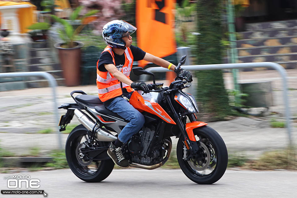 2018 KTM 790 DUKE ABS TEST DAY