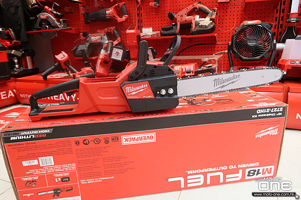 2018 MILWAUKEE M18 CHAINSAW