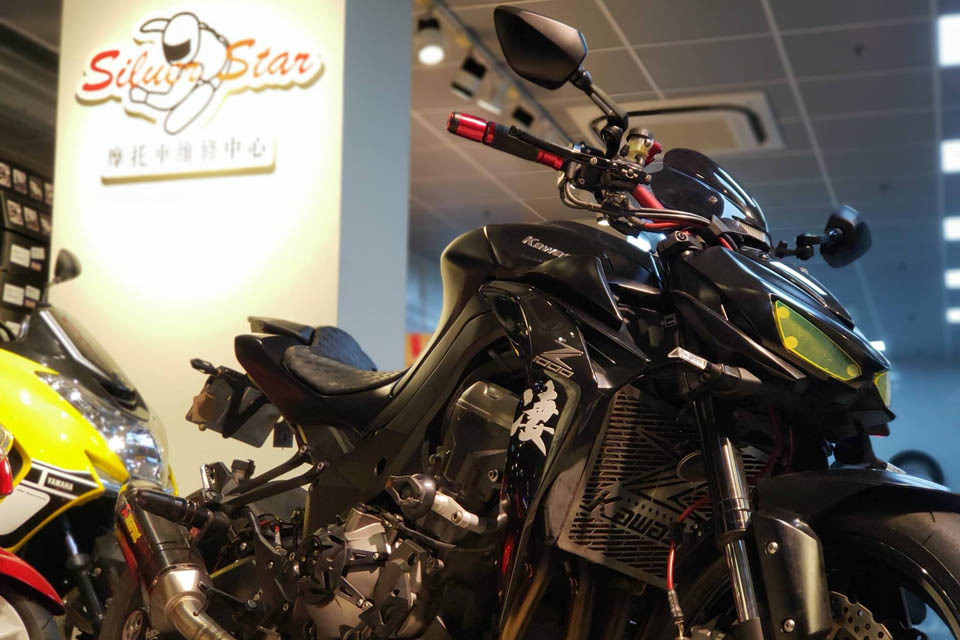 2014 SILVERSTAR Kawasaki Z1000