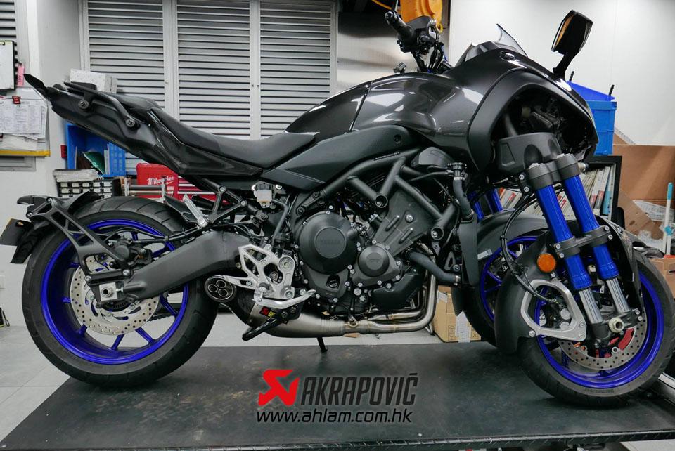 2019 Yamaha Niken Akrapovic Racing Line