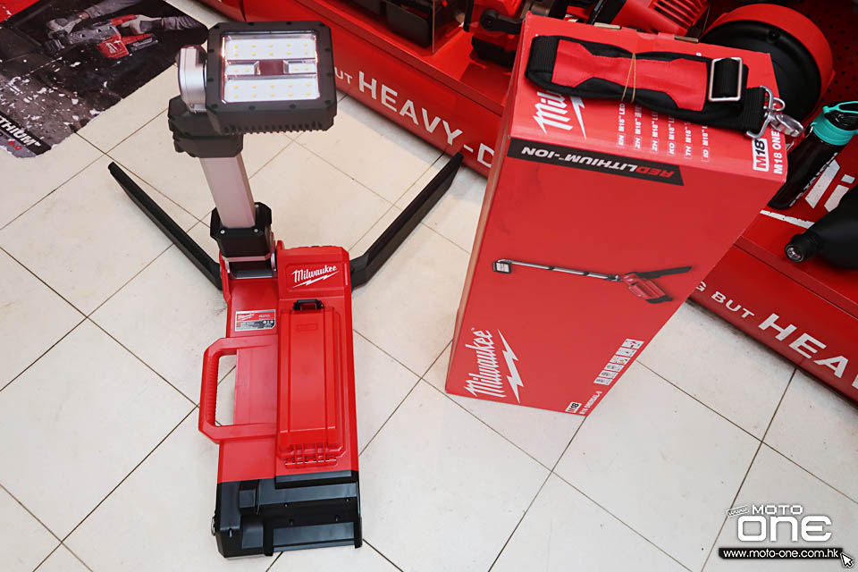 2019 MILWAUKEE M18 LED Stand Light