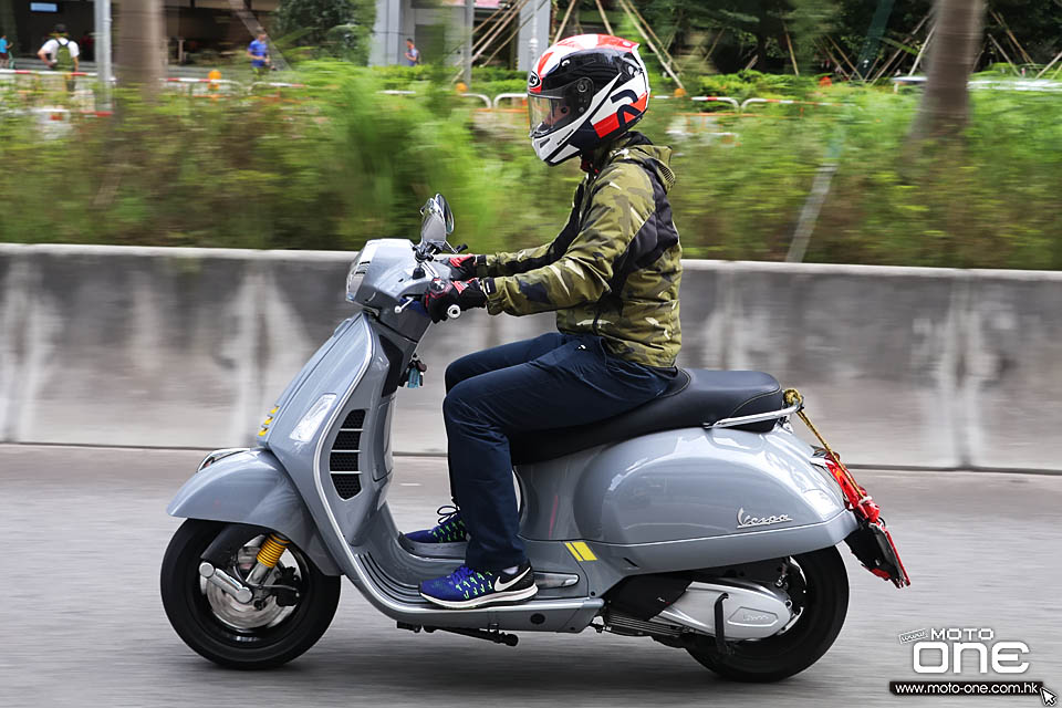 2019 VESPA GTS 300 HPE Super Tech