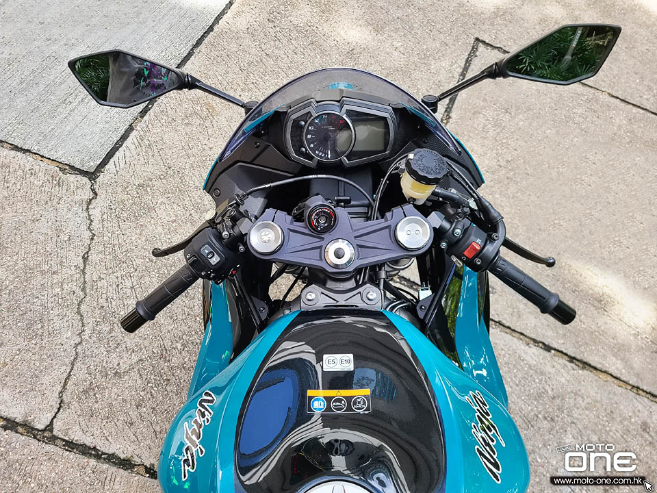 2021 KAWASAKI ZX-6R 636 KRT AND BLUE