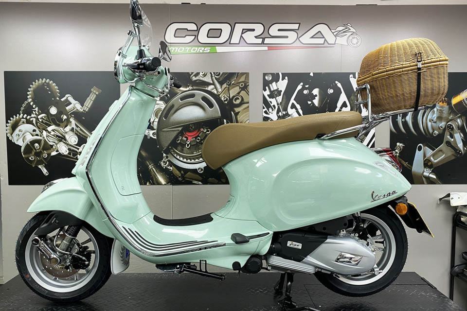 Vespa Primavera 150 Corsa Motors